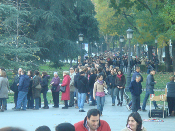Another photo of the queue, Prado, Madrid