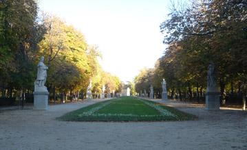 Parque de Retiro, Central Path