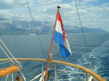 croatia_flagonboat_sm.jpg