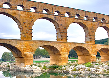 ' ' from the web at 'http://tompeters.com/wp-content/themes/tompeters/img/tile-aqueduct.jpg'